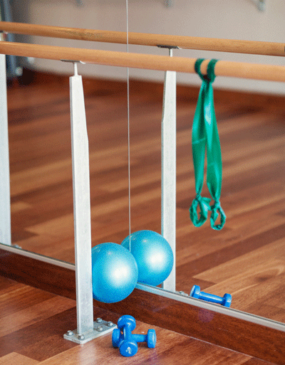 What To Expect In A Barre Class Balance Moves